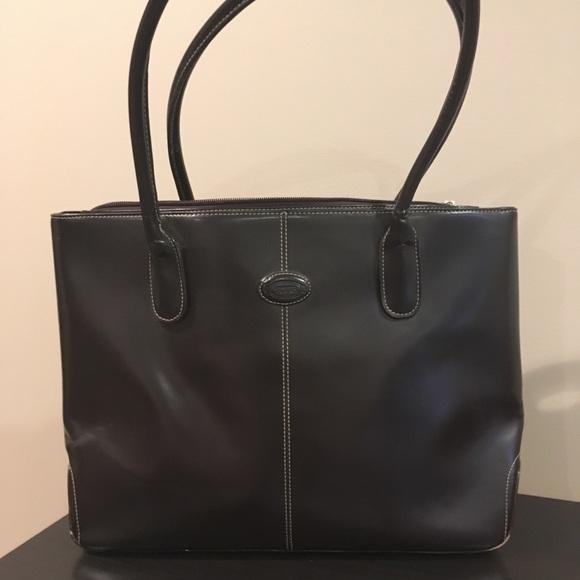 e20237e0f96 Tod's over shoulder leather tote bag. M_5b7d8a042aa96a7d27b706d5